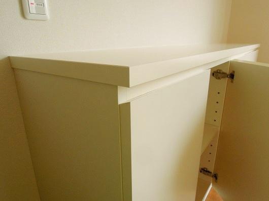 白い家具納品