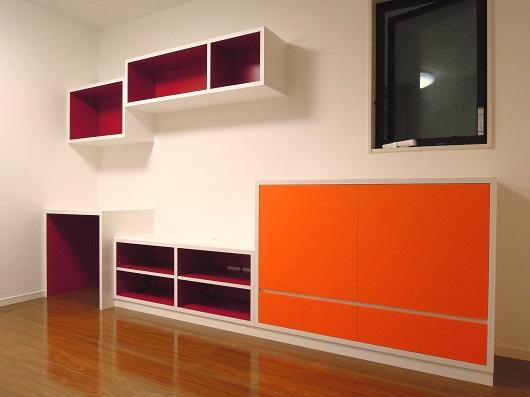 カラフルな家具納品