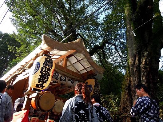秋のお祭りと お宮の建具